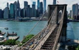 New York : the Brooklyn bridge wants to make a new...