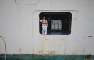 Of 120,000 seamen stuck due to Corona on ships –...