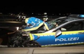 Ulm: police car collides with car: Three slightly...