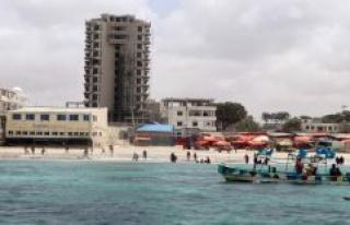 At least 15 Dead in terrorist attack on Hotel in Somalia