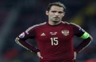Fist in the face! Russia's Ex-captain Shirokov knocks...