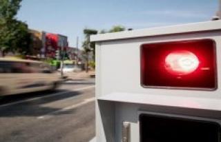 From the Blitzer awakened: motorist slams the device...