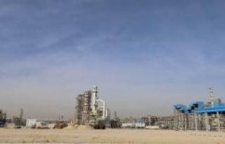 Huge billion-hole: The Oil crisis, Kuwait's debt to...
