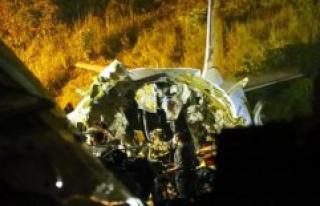 India: the aircraft after the crash landing, broken...