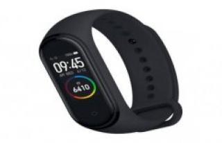 Xiaomi Mi Band 4 at Aldi Popular Fitness buy: Tracker...