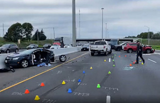 After a crash, Highway 401 westbound lanes were closed...