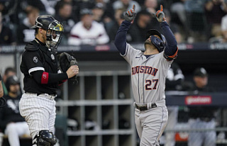 After routing White Sox, Altuve and Astros return...