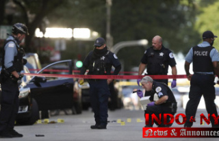 Alleged gang members charged in slaying of Chicago...