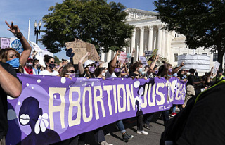 Biden lifts the ban on abortion referrals in family...