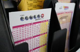 California ticket sold for $699.8M Powerball jackpot