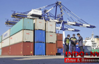 China exports up 28% in September; surplus with US...