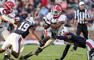 """College Football Picks: 1 Dawgs take on another """"big""""..."""