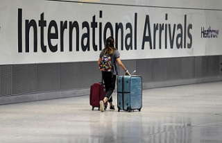 UK eases travel restrictions further by slashing 'red...