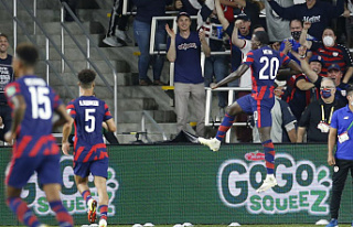 Weah, Dest spark US to 2-1 win over Costa Rica in...