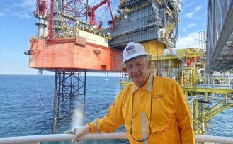 The clash of Lopez Obrador with the private oil puts at risk the future of Pemex