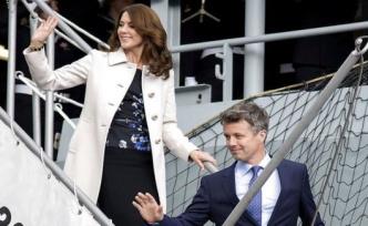 The royal couple celebrates anniversary in Poland