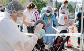 Coronavirus : the French are more worried of the health hazard of economic risk - The Point