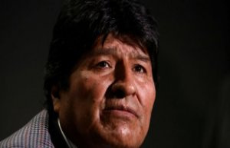 Bolivia's Morales seeks asylum in Argentina