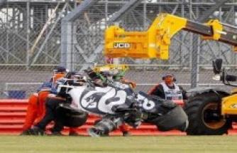 Crash of Daniil Kwjat: tire damage or self-blame?