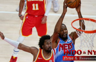 Durant's 32 points lead Author past Young,'' Hawks 132-128 in OT