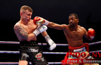 Jamel Herring dominates Carl Frampton, who announces his retirement