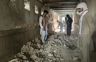 47 people are killed in a suicide attack on a Shiite mosque, Afghanistan.