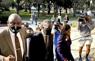 Ahmaud Abery Slaying Trial: 8 Potential Jurors Advance