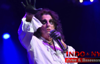 Alice Cooper talks tap dancing, snakes onstage and his diary