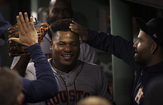 Astros' Valdez goes 8, beats Red Sox 9-1 for 3-2 ALCS lead