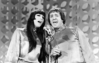 Cher sues Sonny Bono's heirs over song and record revenues