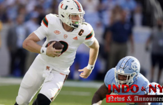 Howell accounts for four TDs as Tar Heels hold off Miami