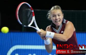 Kontaveit faces Alexandrova in Moscow final, Sakkari retires