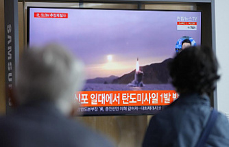 North Korea tests a possible submarine missile amid tensions