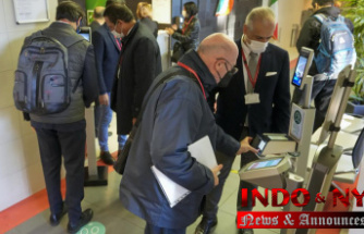 Protests greet debut of Italy's workplace COVID pass rule