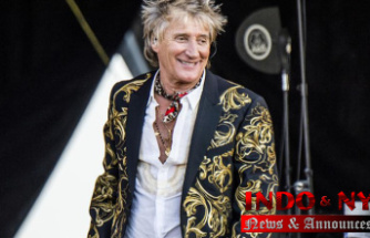 Rod Stewart's plea deal on battery charge falls through