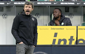 Wolfsburg fires coach van Bommel after 13 games in charge