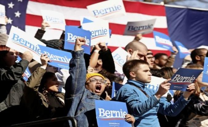 Democrats are afraid of Bernie Sanders' Internet army