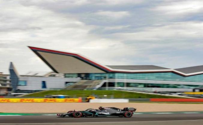 Bottas gets Pole Position in Silverstone, Hulkenberg third