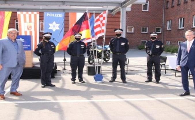 Polizei Bremerhaven: POL-Bremerhaven: Police year 2021 sworn in
